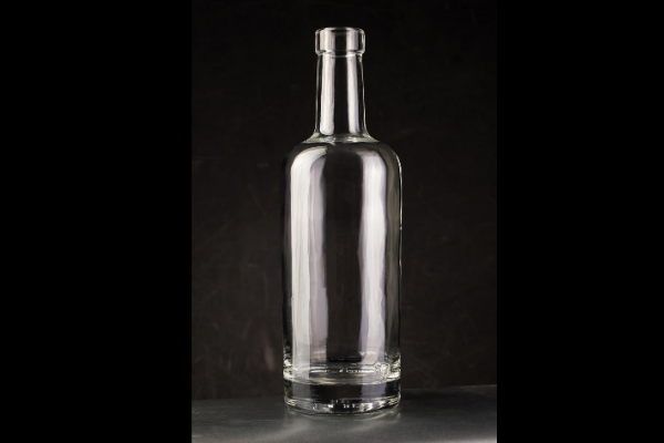 Verallia targets French micro-distillers with Arsène bottle